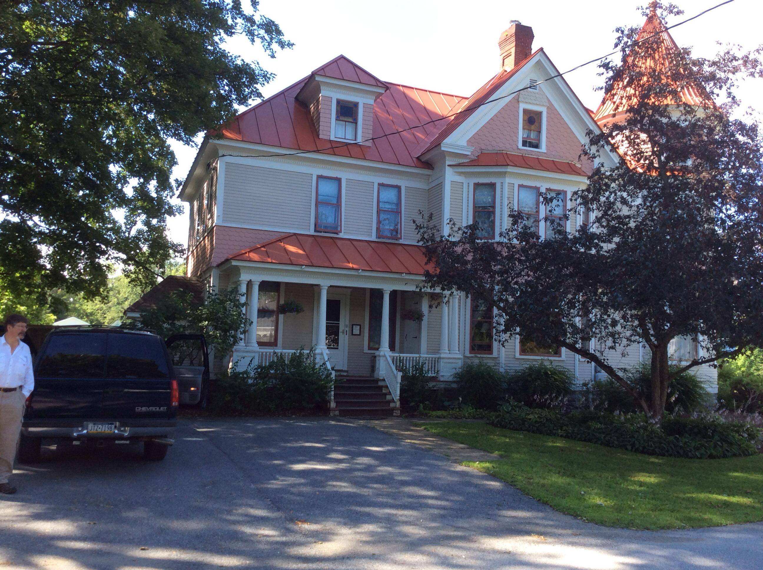 The Lawrence House Victorian Bed & Breakfast