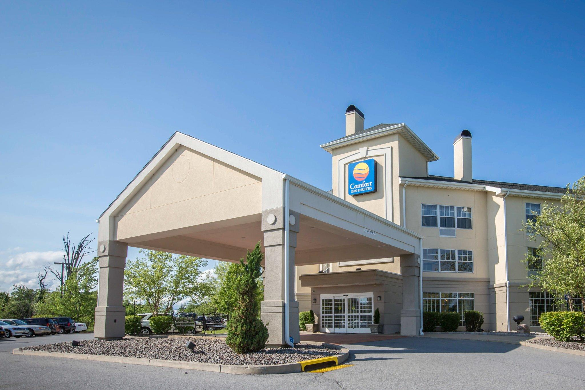 Comfort Inn &; Suites Goshen / Middletown