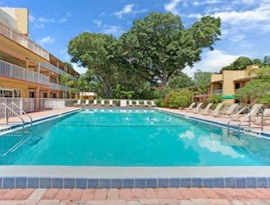 Howard Johnson Inn Tropical Palms Kissimmee