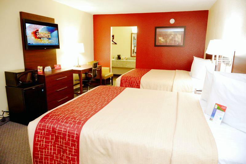 Red Roof Inn & Suites Commerce
