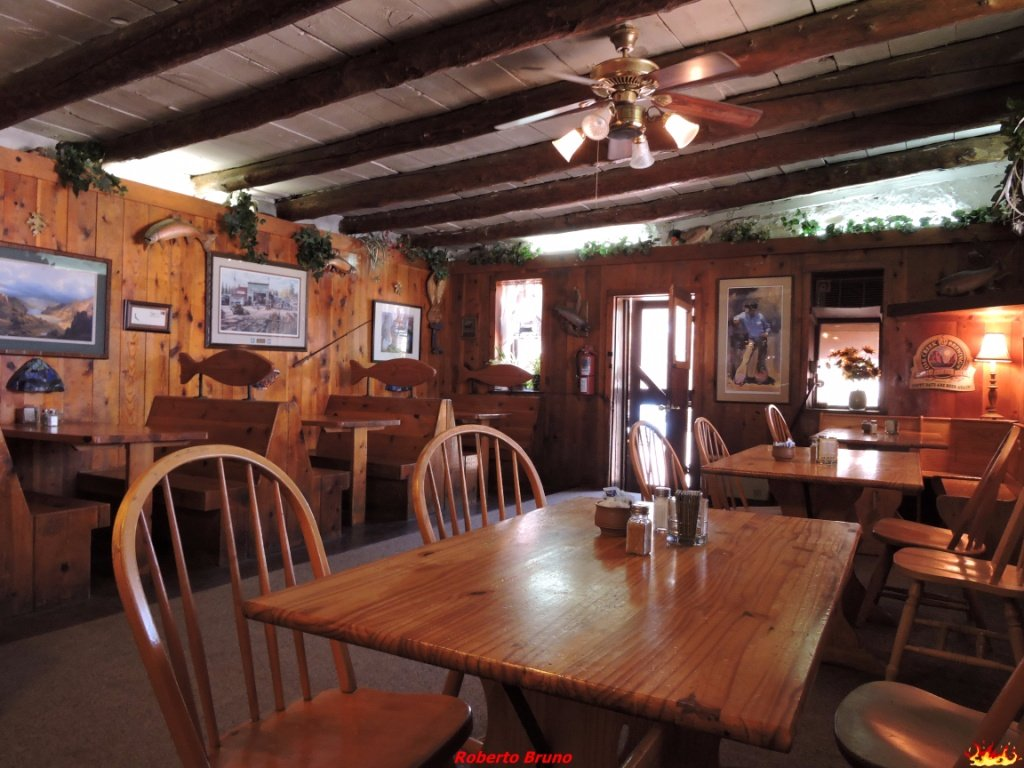 Canyon lodge dining room