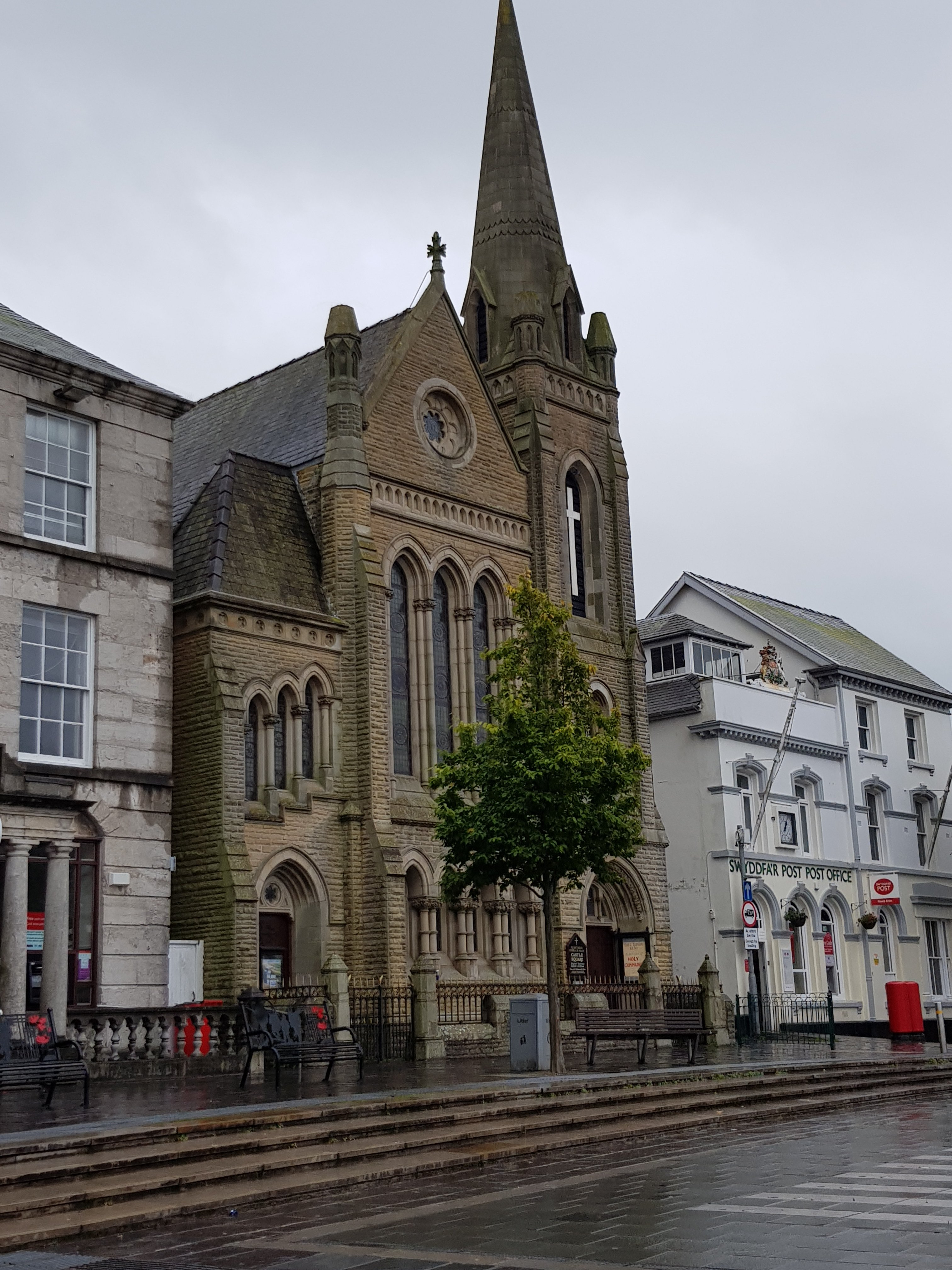 The Presbyterian Church Of Wales, Castle Square | Y Maes, Caernarfon LL55 2NA | +44 1248 670995