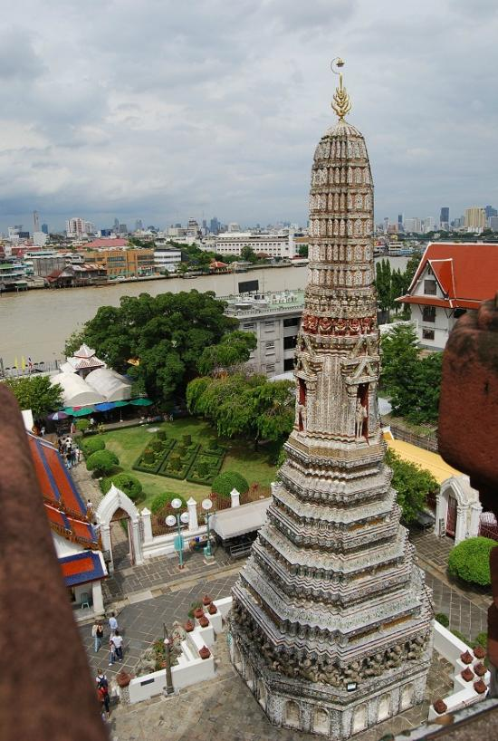 Bangkok Restaurant Reviews - Bangkok Travel Guide