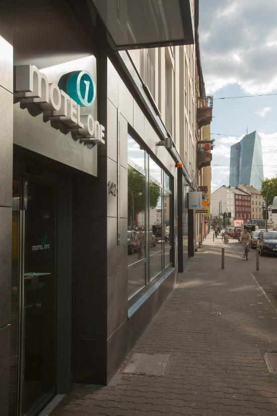 Motel One Frankfurt East Side