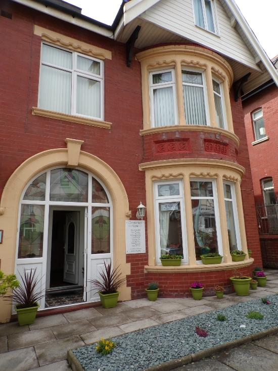 Grosvenor View - Guest House