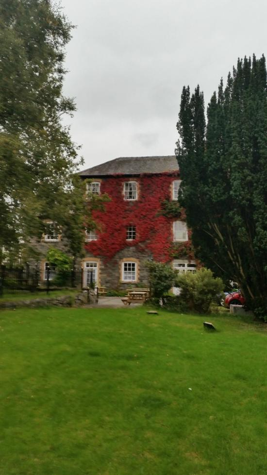 Brynafon Country House