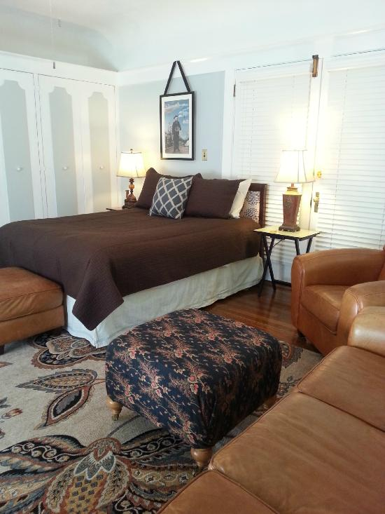 Ashland Royal Carter House Bed and Breakfast