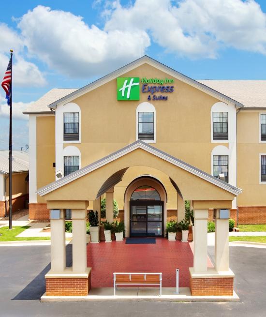 Holiday Inn Express Hotel & Suites North Little Rock