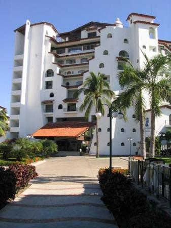 Vamar Vallarta All Inclusive Marina and Beach Resort: Front of Embarcadero