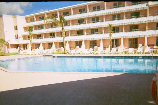 Castaways Resort &amp; Suites Grand Bahama Island: Pool