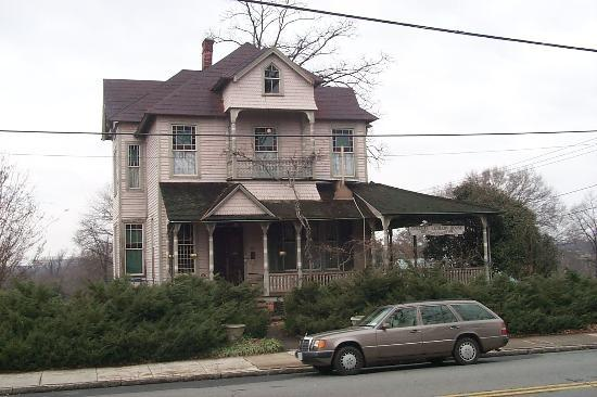 Summit Street Bed and Breakfast Inns
