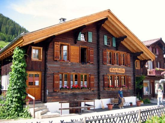 Chalet Fontana: Another view of the front