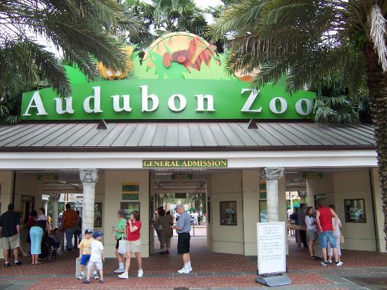 Entrance To Zoo Jpg
