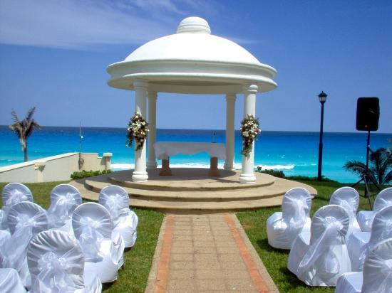 simple beach gazebo wedding decorations