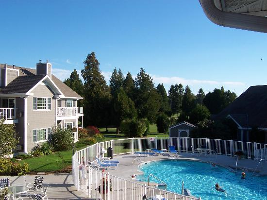 Baileys Harbor Yacht Club Resort: Outdoor Pool