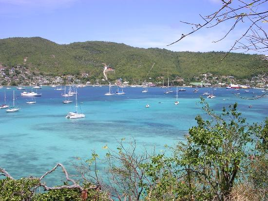 Bequia : View of Admiralty Bay