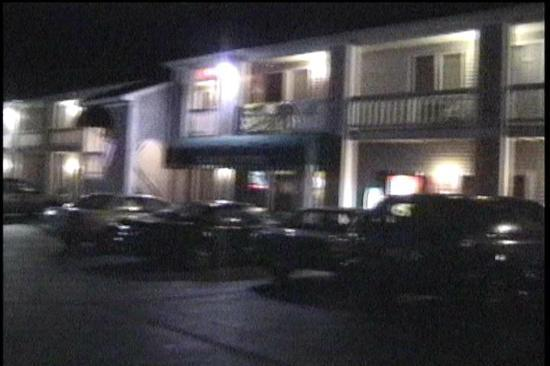 Rodeway Inn Saco: Outside view of the building at night (lifted from my camcorder)