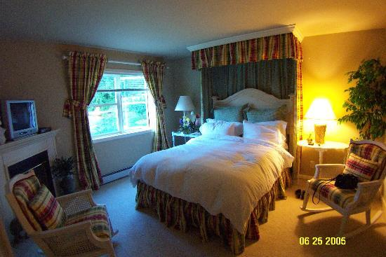 Ashingdon Manor Inn and Cottage: The Teddington Room
