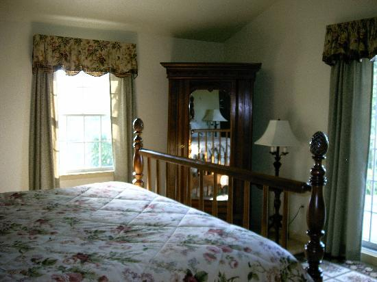 Cornerstone Farm Bed and Breakfast: One of the bedrooms