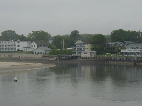 Sea Chambers Motel: View from the Main Beach at the Sea Chambers