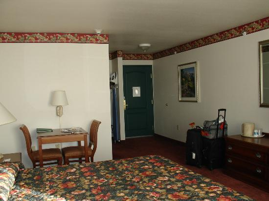 Country Inn & Suites By Carlson, Billings, MT: Bedroom