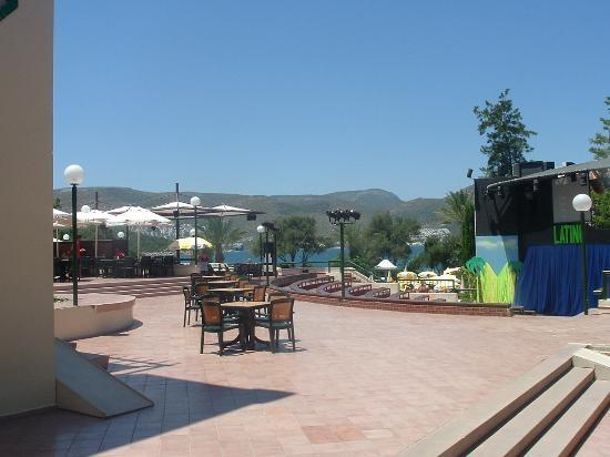 Eldorador Milta Holiday Village: Another view across the bay