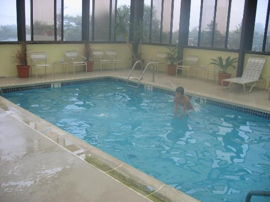 Brighton Suites Hotel: Brighton Indoor Pool