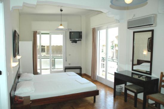 Adams Hotel: A spacious and well appointed room for a surprisingly affordable price.