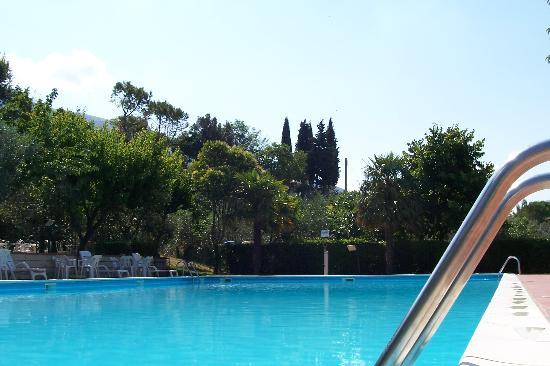Hotel Da Angelo: Pool and landscape