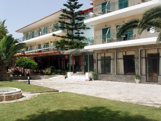 Photo of Hotel Esperia Tolon
