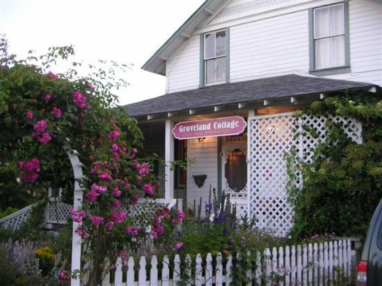 Groveland Cottage Bed & Breakfast: Groveland's Entrance