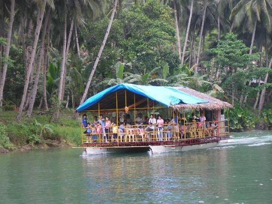 Great Trip Floating Restaurant A Must Picture Of Waterfront Cebu City Hotel Casino Cebu