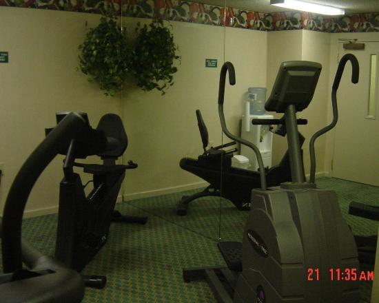 Extended Stay America - Charleston - Northwoods Blvd.: Fitness Room