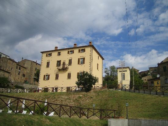 Photo of Mariletta Country House Roccatederighi