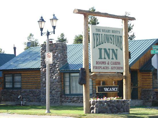 Yellowstone Inn: Main Office Cabin