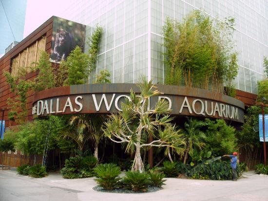 Front of Dallas World Aquarium
