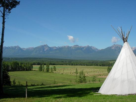 Golden, Canada : Tipi. 