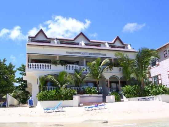 Le Petit Hotel: Le Petit from the Ocean