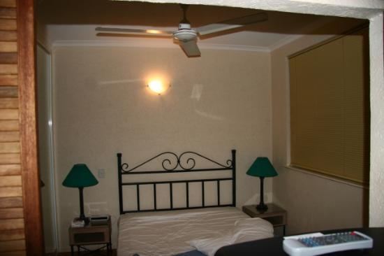 Tropic Sands Apartments: Bedroom