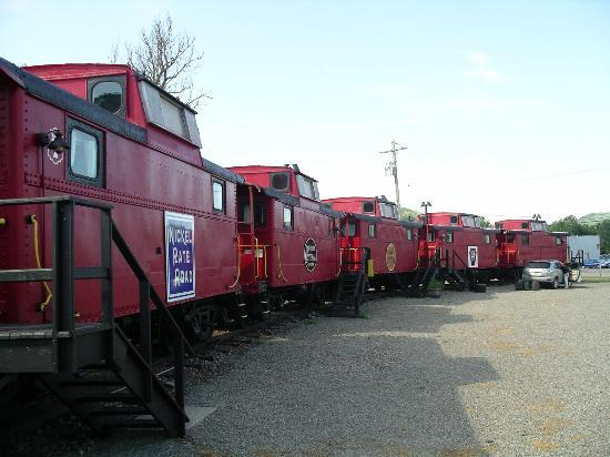 Caboose Motel cabooses