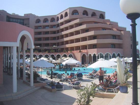 Radisson Blu Resort, Malta St Julian's: Hotel from the sea side