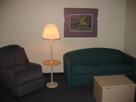 Quality Suites I-240 East-Airport: Sitting area