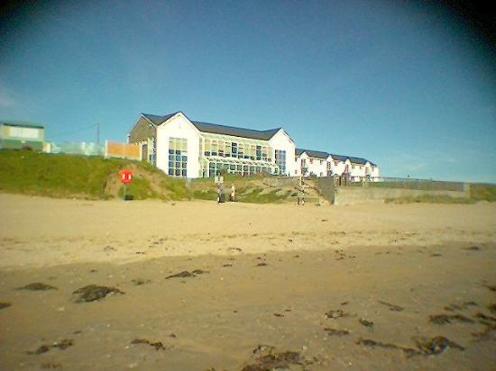 Quality Hotel & Leisure Center Youghal: View from the beach