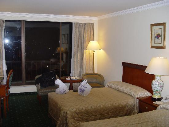Regency Palace Amman: The layout of the room