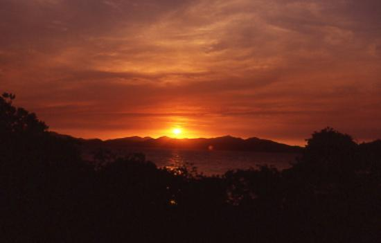 Port Moresby, Papua New Guinea: Sunset off Loloata