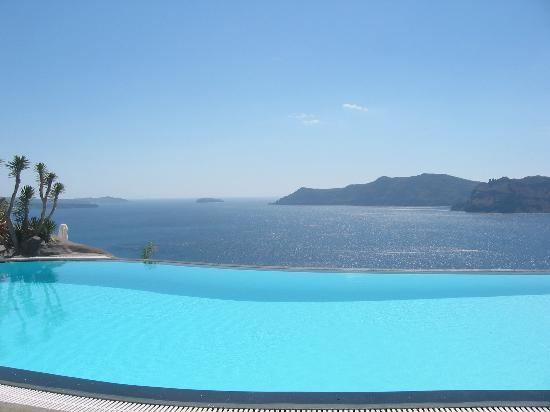 Oia, Grecia: The infinity pool