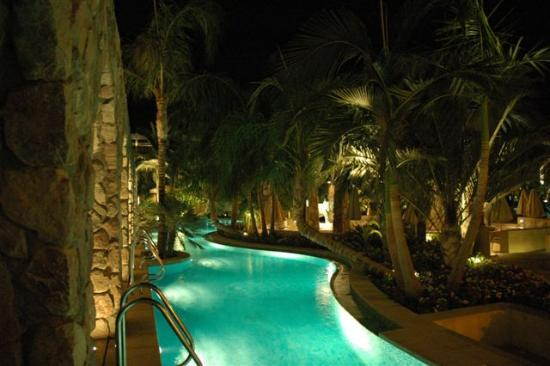 Isrotel Agamim: By night