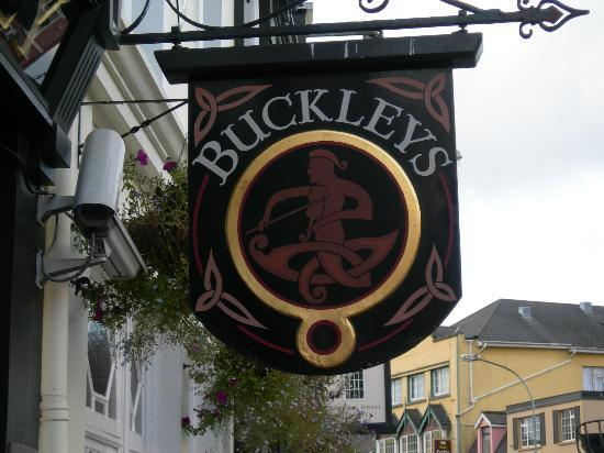 Arbutus Hotel: The Buckley Pub