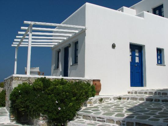 Anemomilos Apartments: our villa