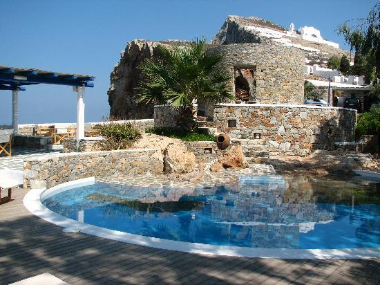 Anemomilos Apartments: pool area